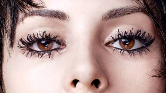 clumpy_mascara_galore_7_11.jpg