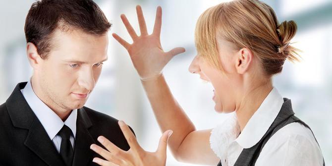 teman-kerja-mulai-sensitive